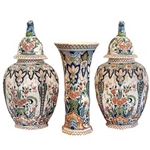 Delft Garniture Set